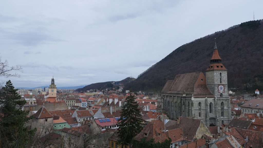 Peisaj, vedere spre Biserica Neagră